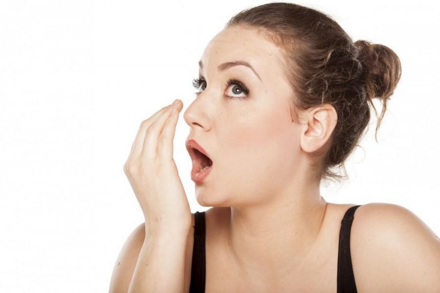 como evitar mau hálito do estomago