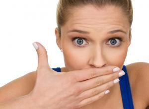 como combater o mau hálito