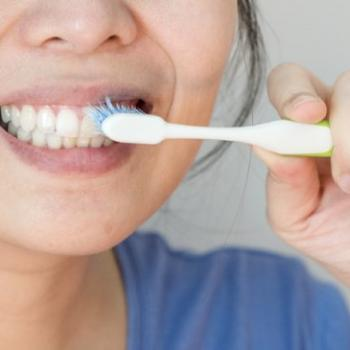 como limpar os dentes